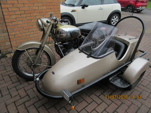 Golden Flash Motorbike & sidecar