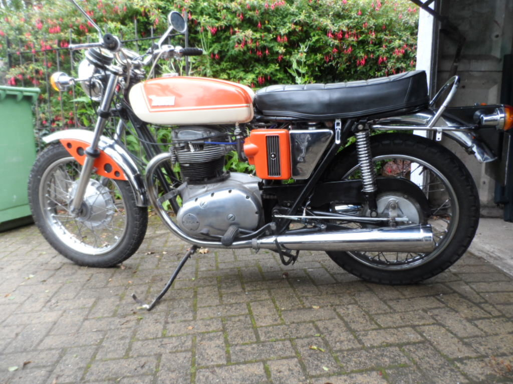 1971 BSA A65 SOLD (picture 1 of 5)