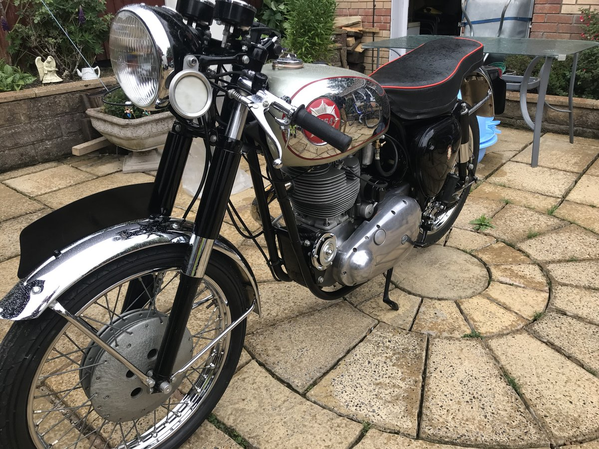 1961 BSA GOLDSTAR DBD34 For Sale (picture 2 of 6)