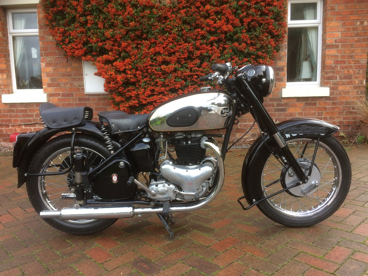 1954 Classic bsa  gold  flash SOLD (picture 1 of 6)