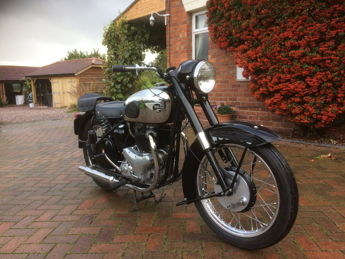 1954 Classic bsa  gold  flash SOLD (picture 2 of 6)