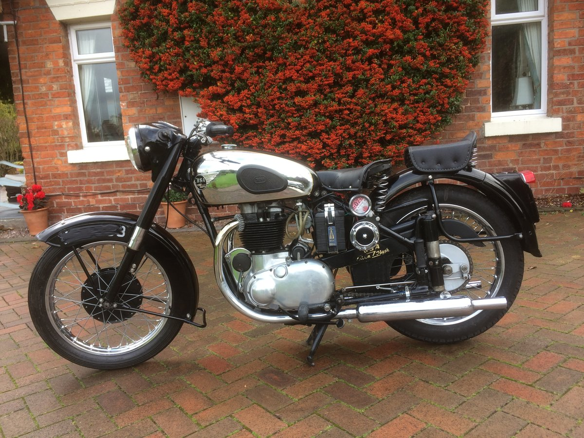 1954 Classic bsa  gold  flash SOLD (picture 4 of 6)