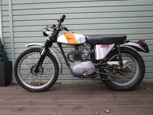BSA B40 GREEN LANE ROAD REGISTERED 350cc