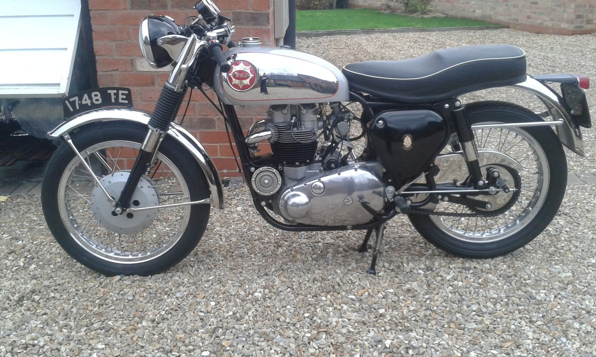 1963 BSA Rocket Goldstar,  Genuine-Numbers Matching SOLD (picture 9 of 11)