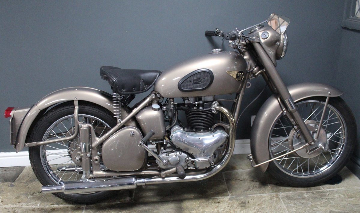 1953 BSA Gold Flash 650 cc , Frame number BA7S-10677 For Sale (picture 1 of 14)