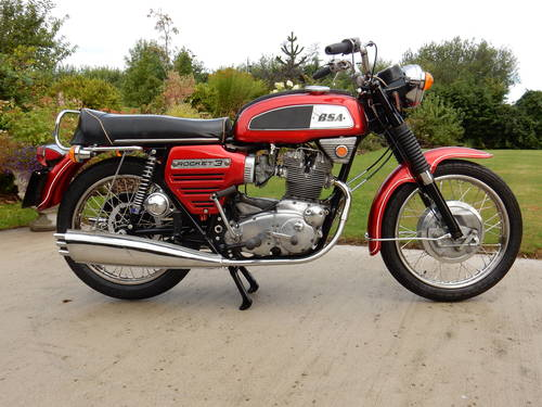 BSA ROCKET 3 1969 750cc MATCHING NUMBERS MOT'd 08/18 For Sale (picture 1 of 4)