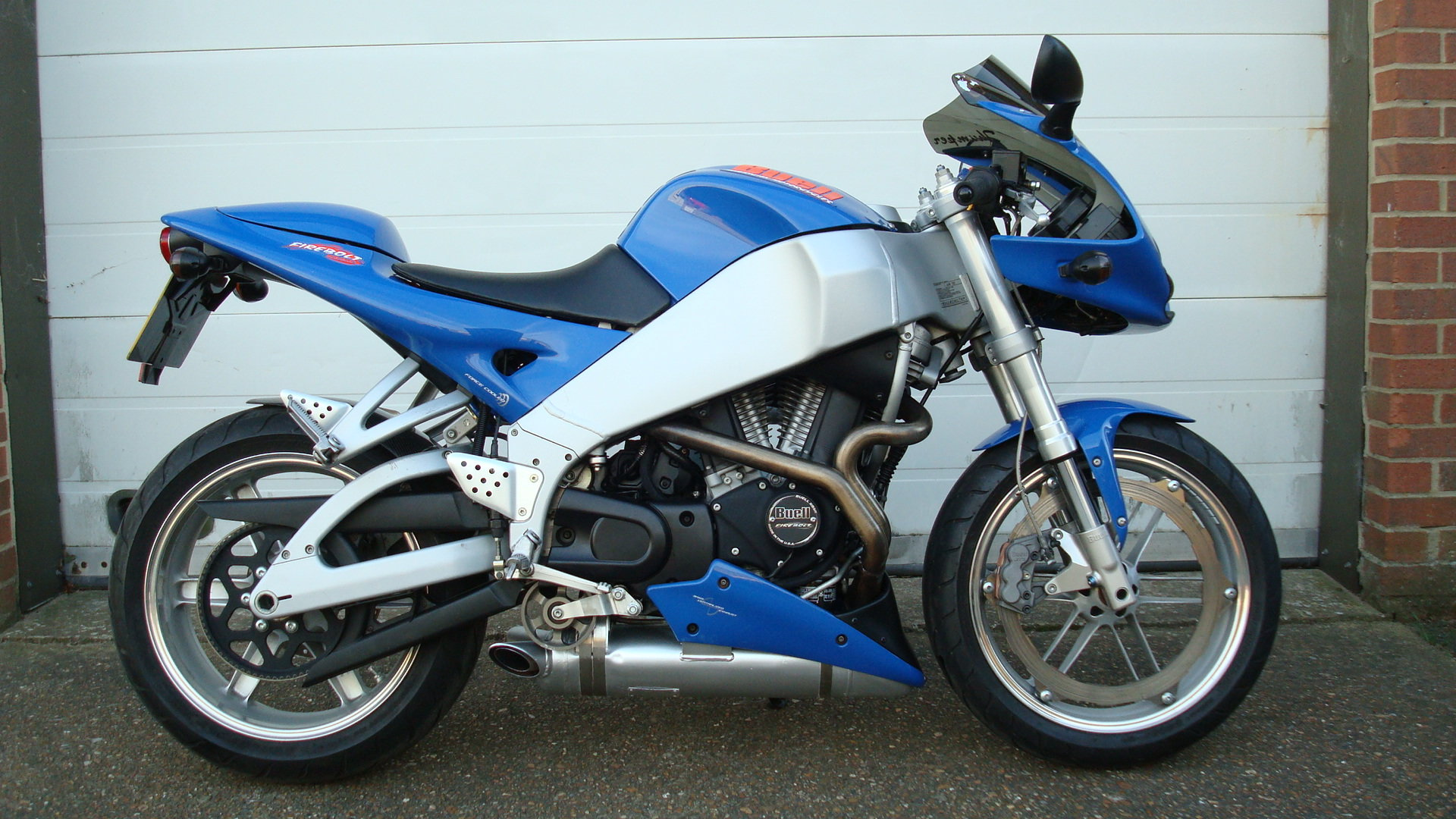 Buell FIREBOLT XB9R 2002-02 **low miles** SOLD (picture 1 of 6)