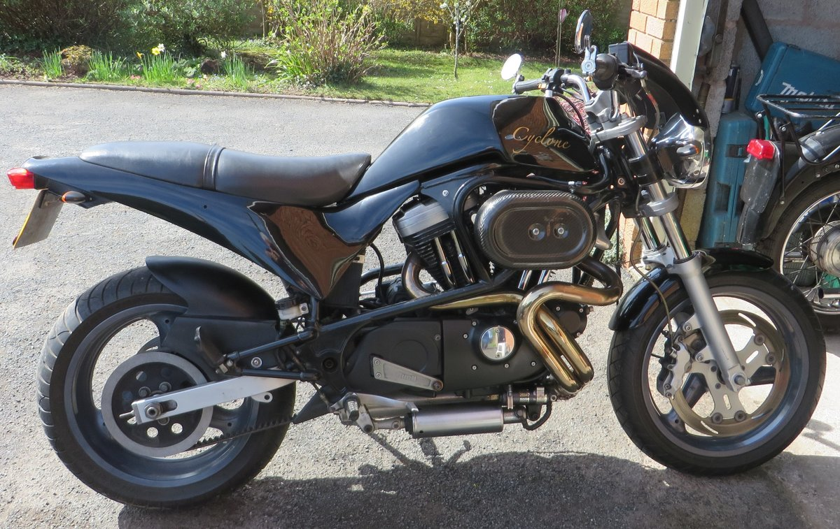 BUELL CYCLONE 1998. VANCE HINES. QUICK ONE. SOLD (picture 5 of 6)