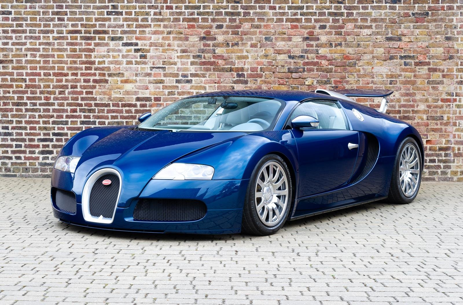 2008 Bugatti Veyron 16.4 -3 Year Bugatti Service Package Included For Sale (picture 1 of 6)