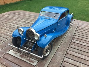 Bugatti large scale 1/8 over 2 ft long model For Sale