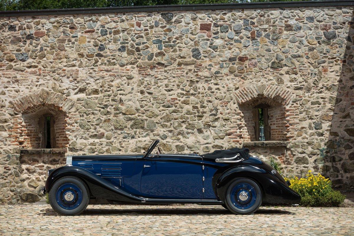 1939 Bugatti 57 Cabriolet 4 places par Vanvooren No reserve For Sale by Auction (picture 2 of 6)