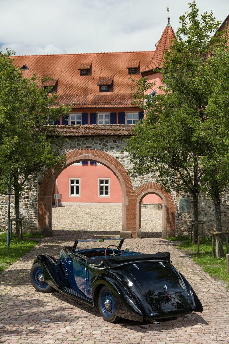 1939 Bugatti 57 Cabriolet 4 places par Vanvooren No reserve For Sale by Auction (picture 3 of 6)