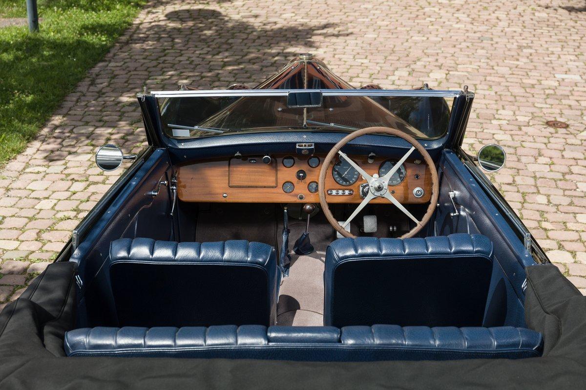 1939 Bugatti 57 Cabriolet 4 places par Vanvooren No reserve For Sale by Auction (picture 4 of 6)