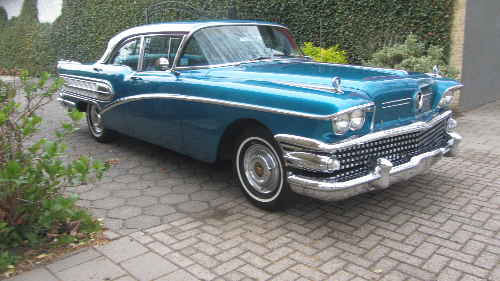 Buick Century 1958  & 50 USA Classics For Sale (picture 1 of 6)