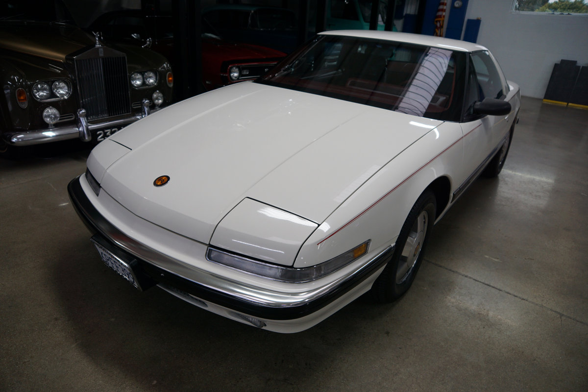 1989 Buick Reatta Coupe with 25K orig miles SOLD (picture 1 of 6)