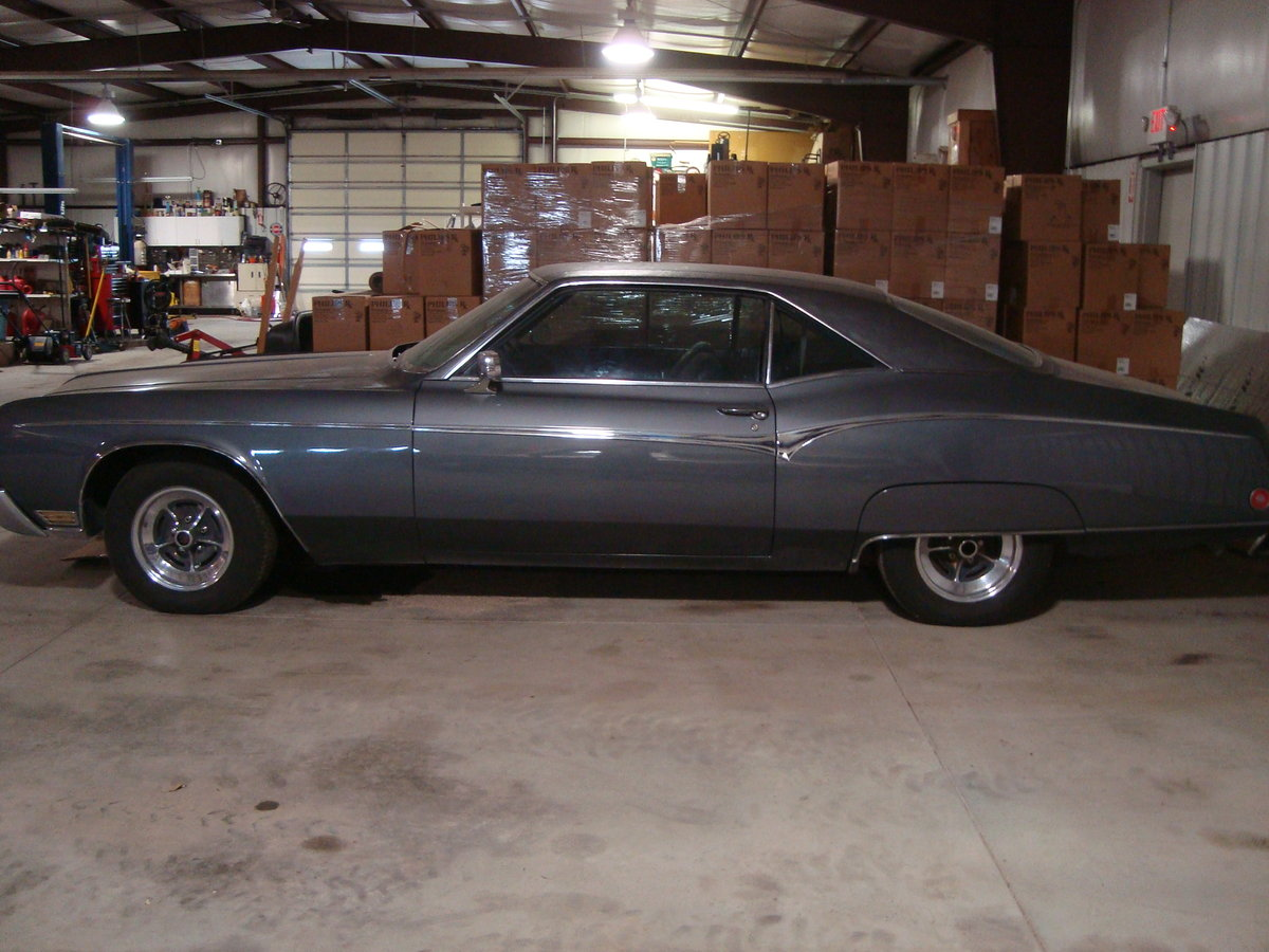 1970 Buick Riviera 2DR HT For Sale (picture 1 of 6)