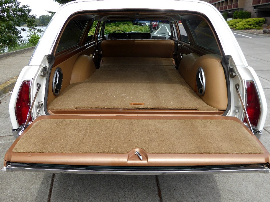 1964 Buick Skylark Sport Wagon = 300-v8 Ivory(~)Tan $22.5k For Sale (picture 3 of 6)