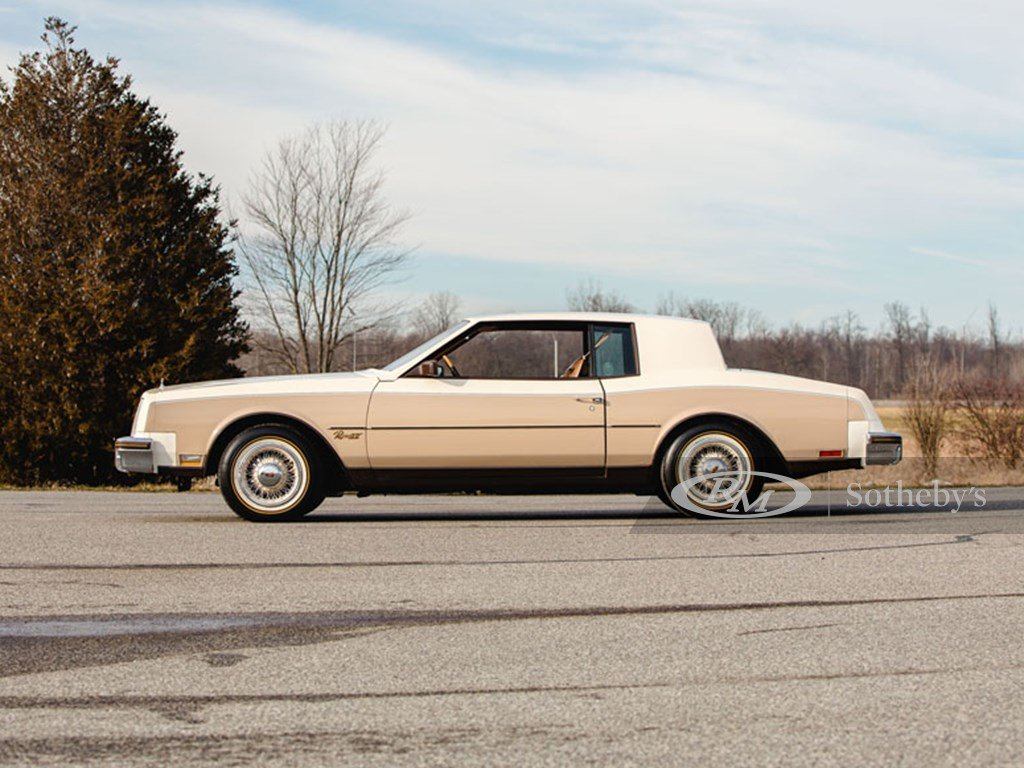 1983 Buick Riviera XX  For Sale by Auction (picture 5 of 6)