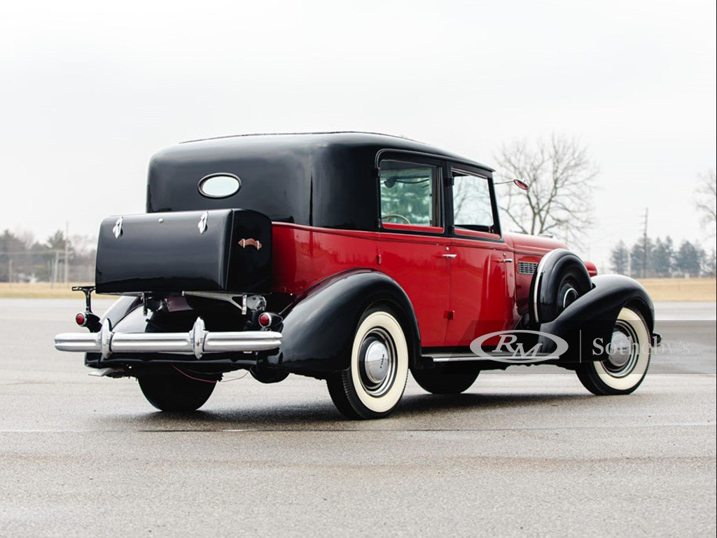 1937 Buick Roadmaster Limousine by Brewster For Sale by Auction (picture 2 of 6)