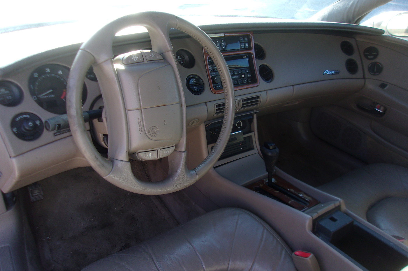1998 Buick Riviera For Sale (picture 3 of 6)