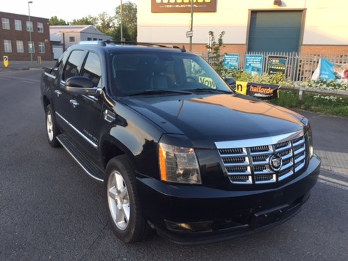 2007 Cadillac Escalade EXT, fully loaded, sunroof AWD For Sale (picture 5 of 6)