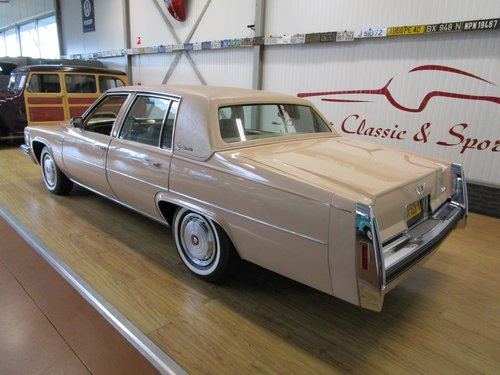 1978 Cadillac Sedan De Ville with just 19.000 Miles For Sale (picture 3 of 6)