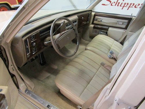 1978 Cadillac Sedan De Ville with just 19.000 Miles For Sale (picture 4 of 6)