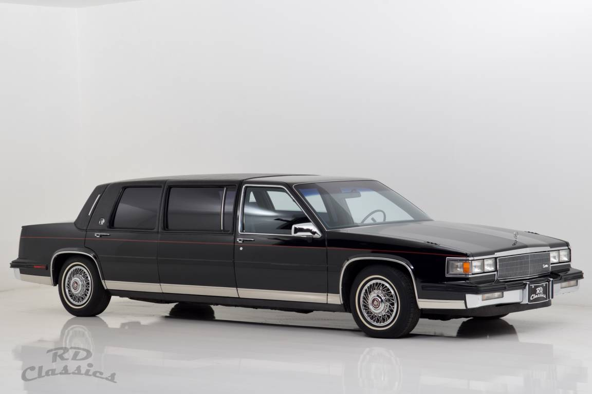 1985 Cadillac Deville Limousine / Hess and Eisenhardt For Sale (picture 1 of 6)