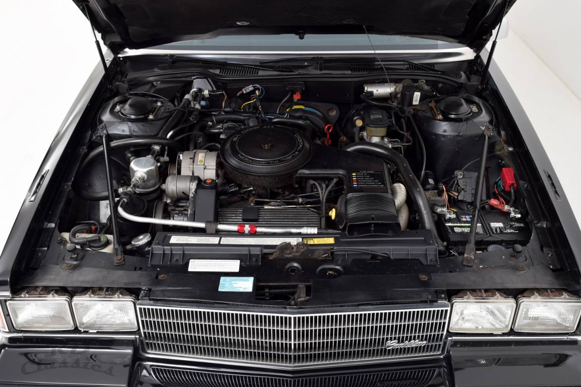 1985 Cadillac Deville Limousine / Hess and Eisenhardt For Sale (picture 4 of 6)