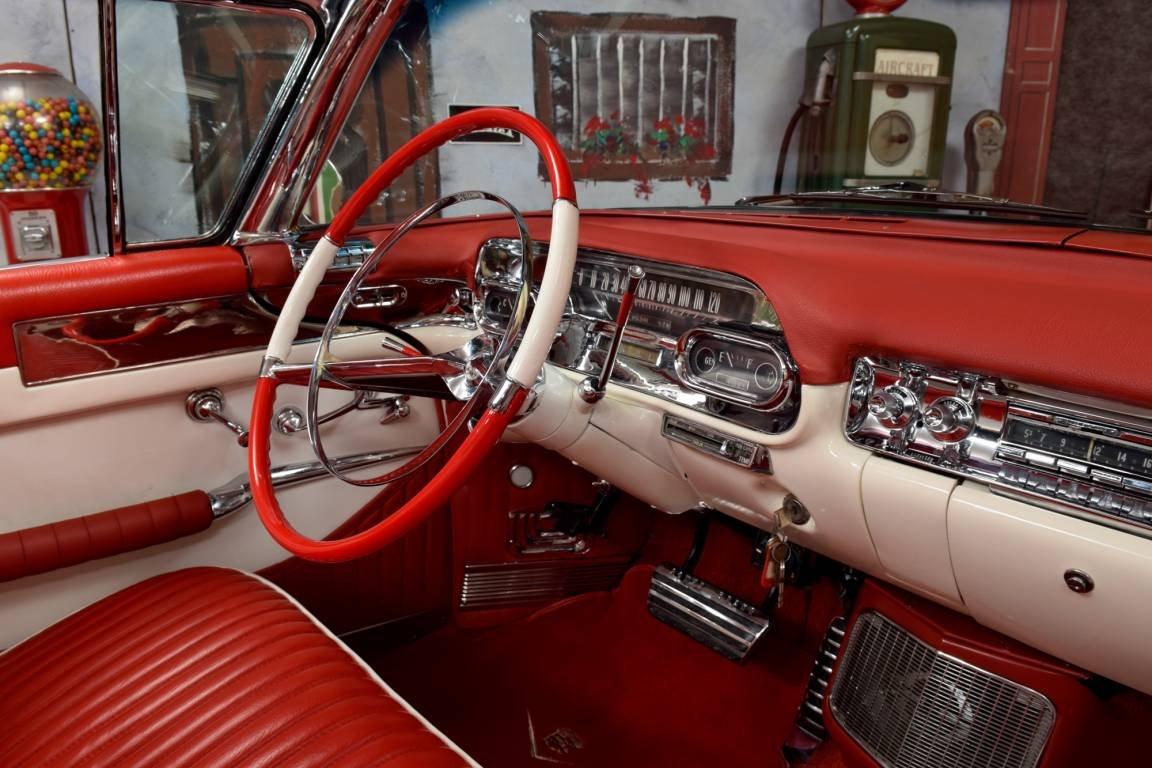 1957 Cadillac Eldorado Biarritz Convertible / Inkl. TUV und For Sale (picture 5 of 6)