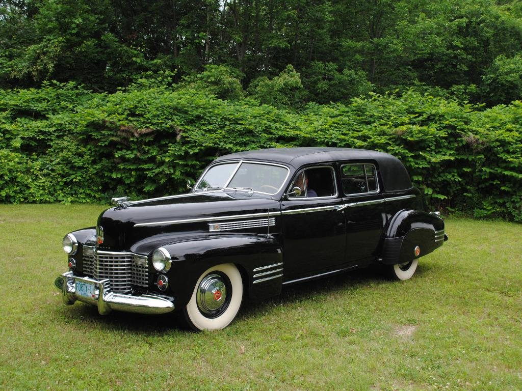 1941 Cadillac Series 75 Imperial Limo = very Rare Black $32k For Sale (picture 1 of 6)