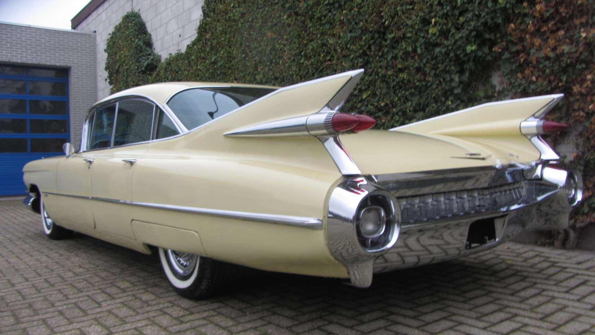 Cadillac Sedan de Ville 1959 & 50 USA Classics For Sale (picture 1 of 6)