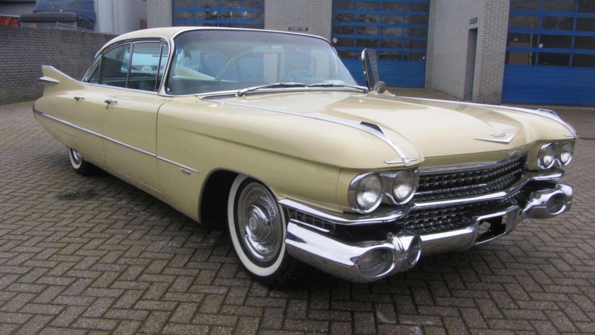 Cadillac Sedan de Ville 1959 & 50 USA Classics For Sale (picture 2 of 6)