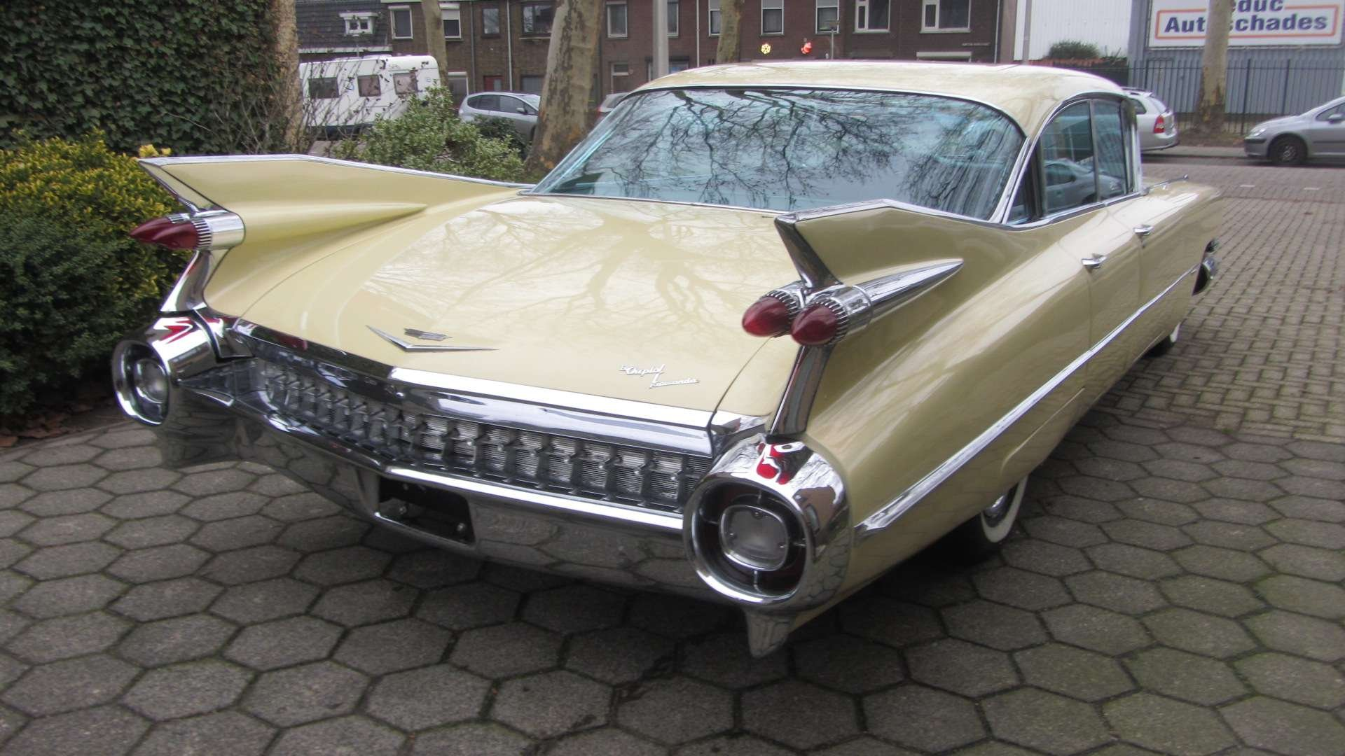 Cadillac Sedan de Ville 1959 & 50 USA Classics For Sale (picture 3 of 6)