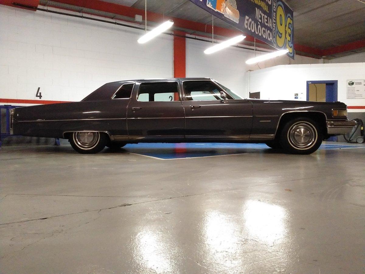 1976 Cadillac Fleetwood Fleetwood Limusina de 7 plazas V8 de 8.2c For Sale (picture 3 of 6)