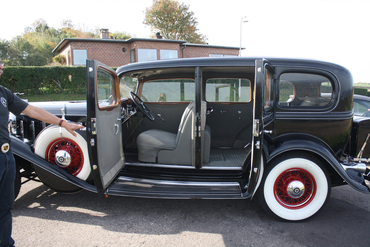 1932 Cadillac 355 B Limousine The only one in Europe! For Sale (picture 3 of 6)
