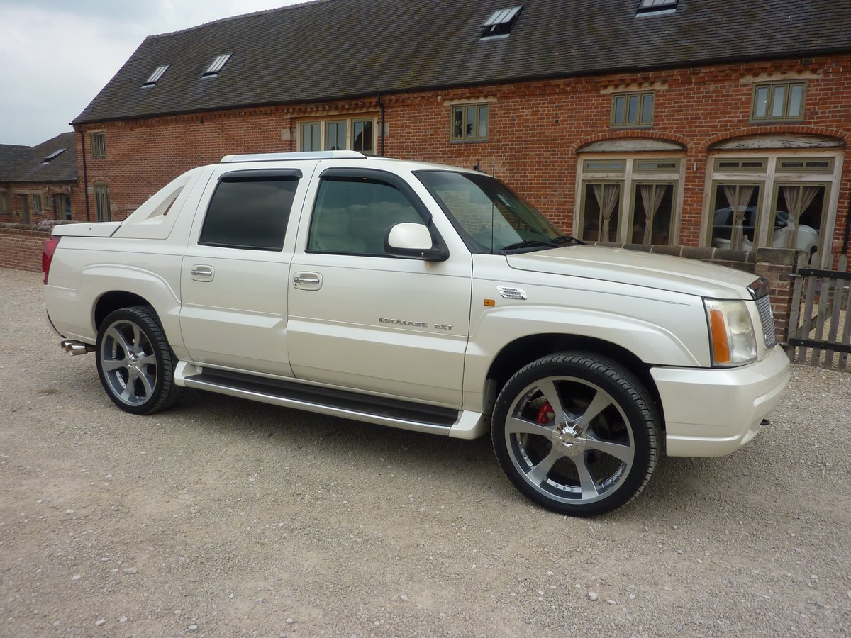 CADILLAC ESCALADE EXT 6LTR V8 2006 68K MILES FROM NEW For Sale (picture 1 of 6)