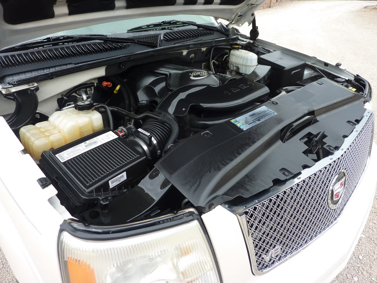 CADILLAC ESCALADE EXT 6LTR V8 2006 68K MILES FROM NEW For Sale (picture 4 of 6)