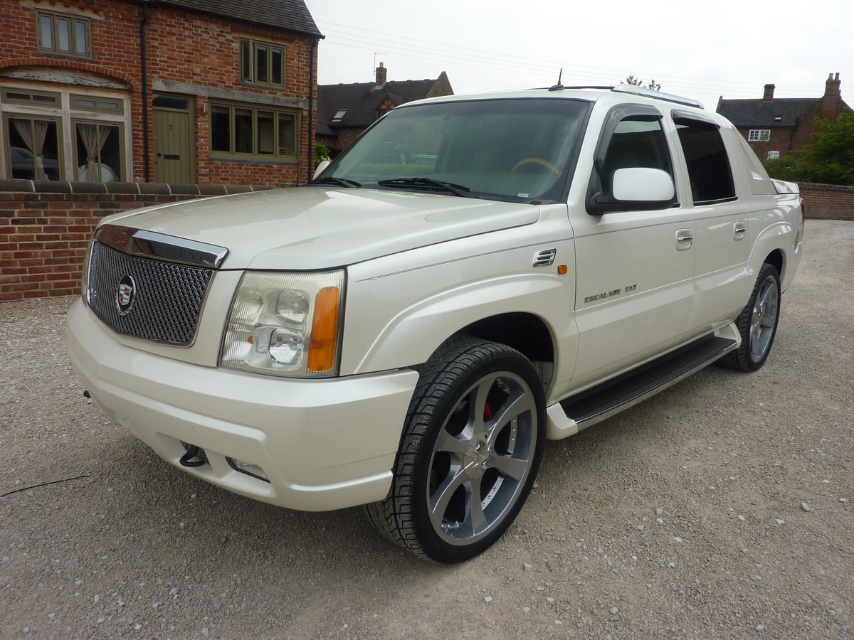 CADILLAC ESCALADE EXT 6LTR V8 2006 68K MILES FROM NEW For Sale (picture 5 of 6)