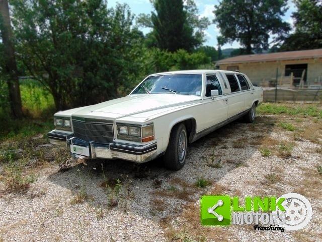 Cadillac Limousine, anno 1985, PERFETTAMENTE CONSERVATA For Sale (picture 1 of 6)