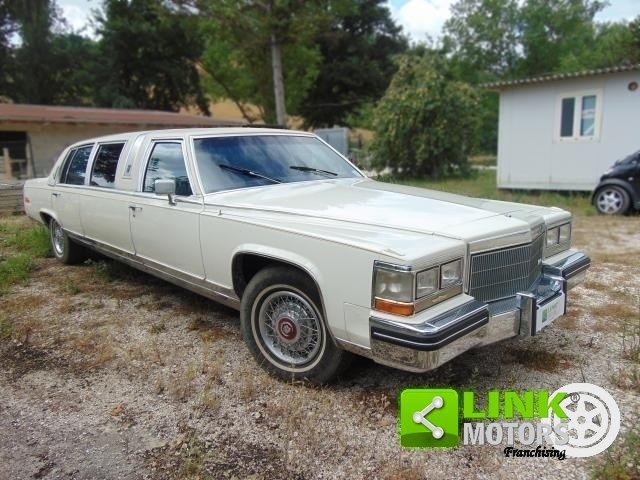 Cadillac Limousine, anno 1985, PERFETTAMENTE CONSERVATA For Sale (picture 2 of 6)