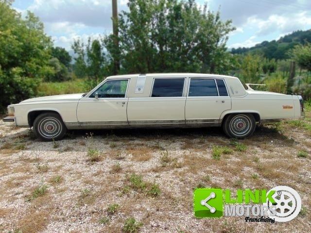 Cadillac Limousine, anno 1985, PERFETTAMENTE CONSERVATA For Sale (picture 3 of 6)