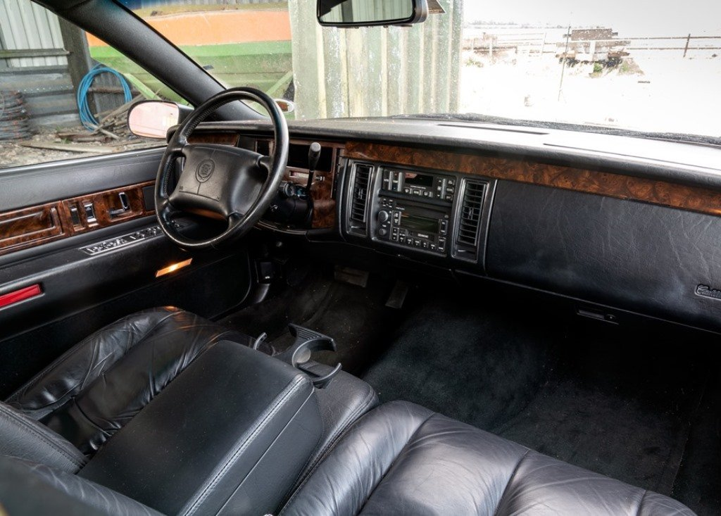 1996 Cadillac Fleetwood SOLD by Auction (picture 5 of 6)