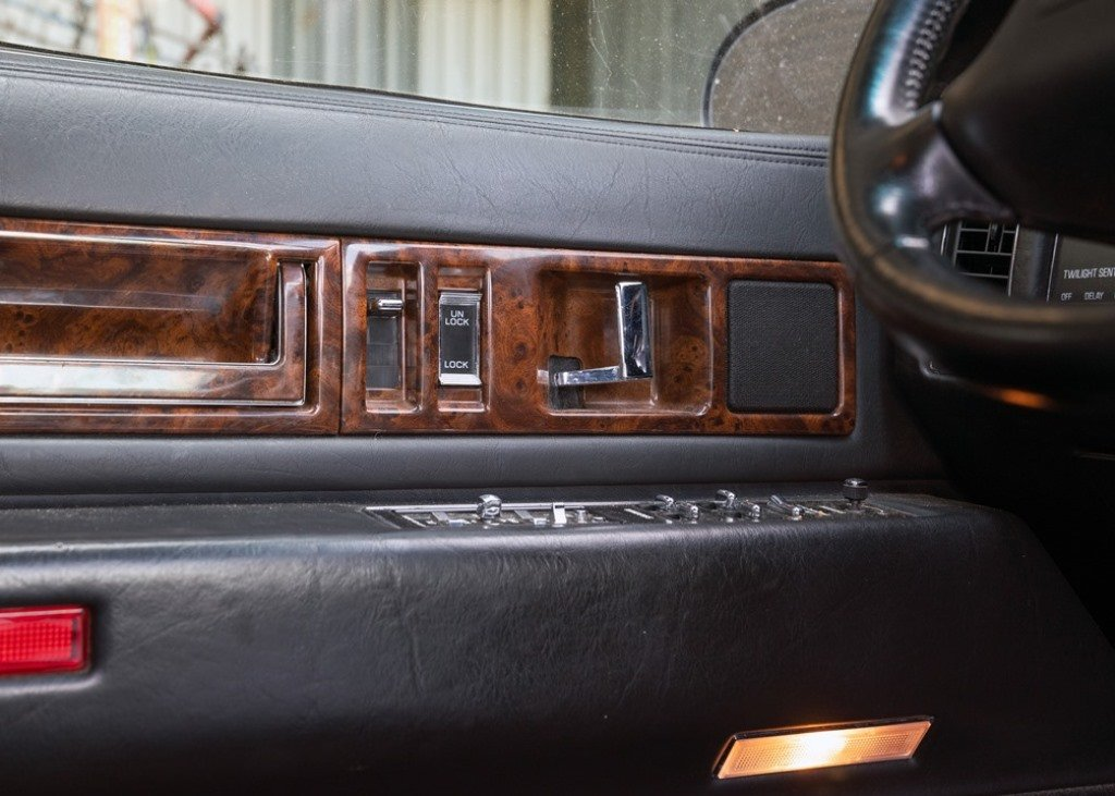 1996 Cadillac Fleetwood SOLD by Auction (picture 6 of 6)