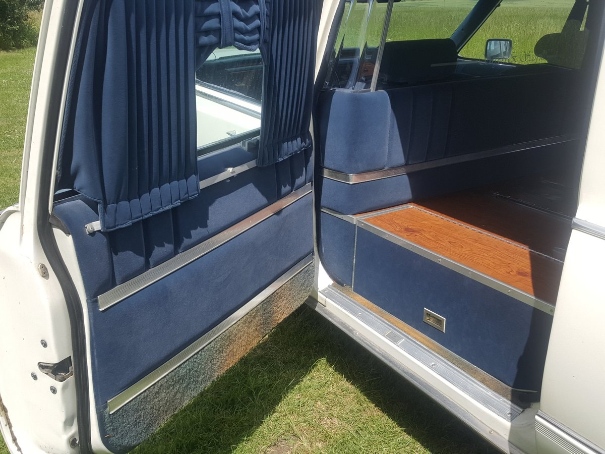 1992 Cadillac Brougham Hearse For Sale (picture 6 of 6)