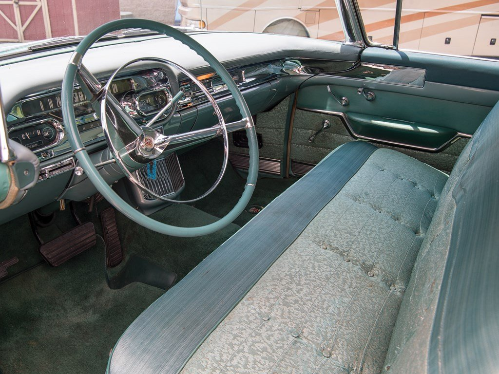 1957 Cadillac Series 62 Hardtop Sedan  For Sale by Auction (picture 4 of 6)