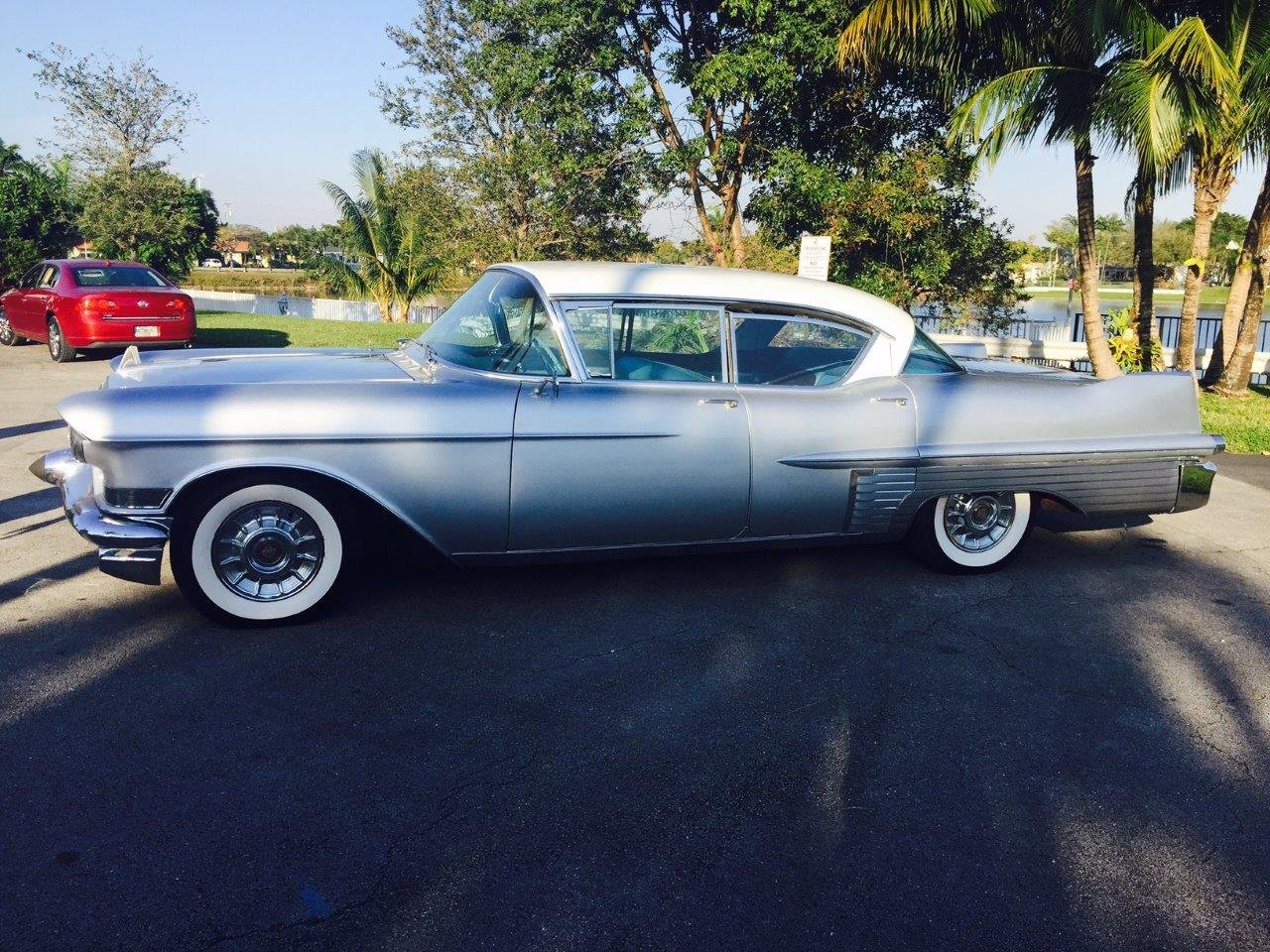 1957 Cadillac Fleetwood 60 Special 4DR HT For Sale (picture 1 of 6)