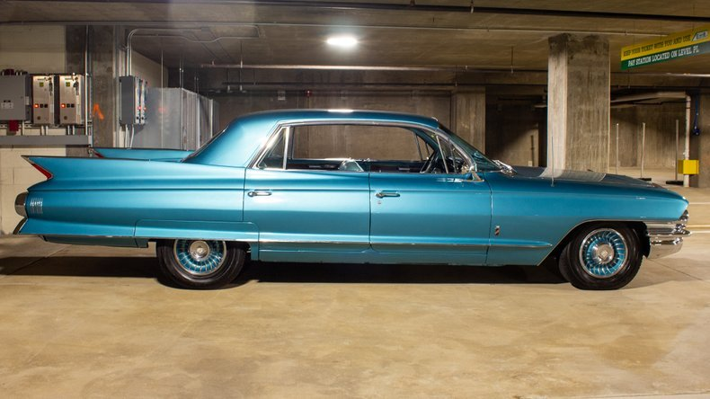 1961 Cadillac Fleetwood Sixty Special Sedan Turquoise $29.9k For Sale (picture 2 of 6)