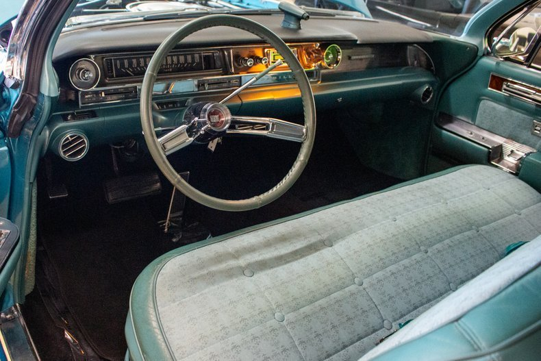 1961 Cadillac Fleetwood Sixty Special Sedan Turquoise $29.9k For Sale (picture 4 of 6)