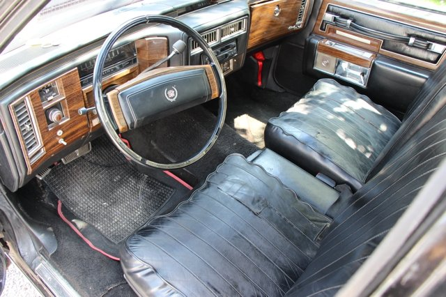 1977 Cadillac Fleetwood Limousine  For Sale (picture 3 of 6)